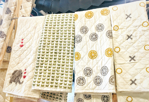 low-res_group-quilts